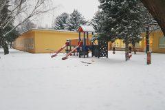 dvor v zime